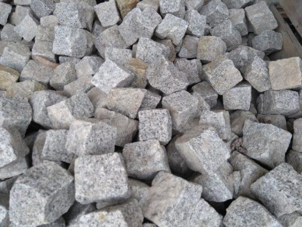 Graniitti mosaiikkinoppa 5x5x5cm